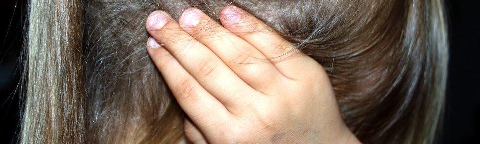 Por qué me duelen los oídos