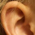 ¿Cómo eliminar los tapones en los oídos?