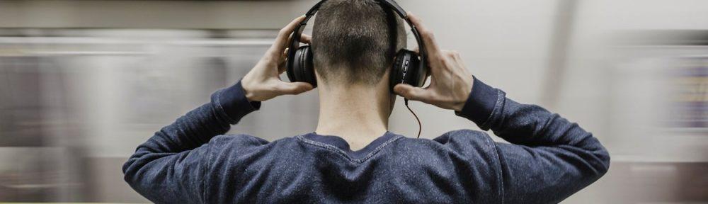 joven-perdida-auditiva