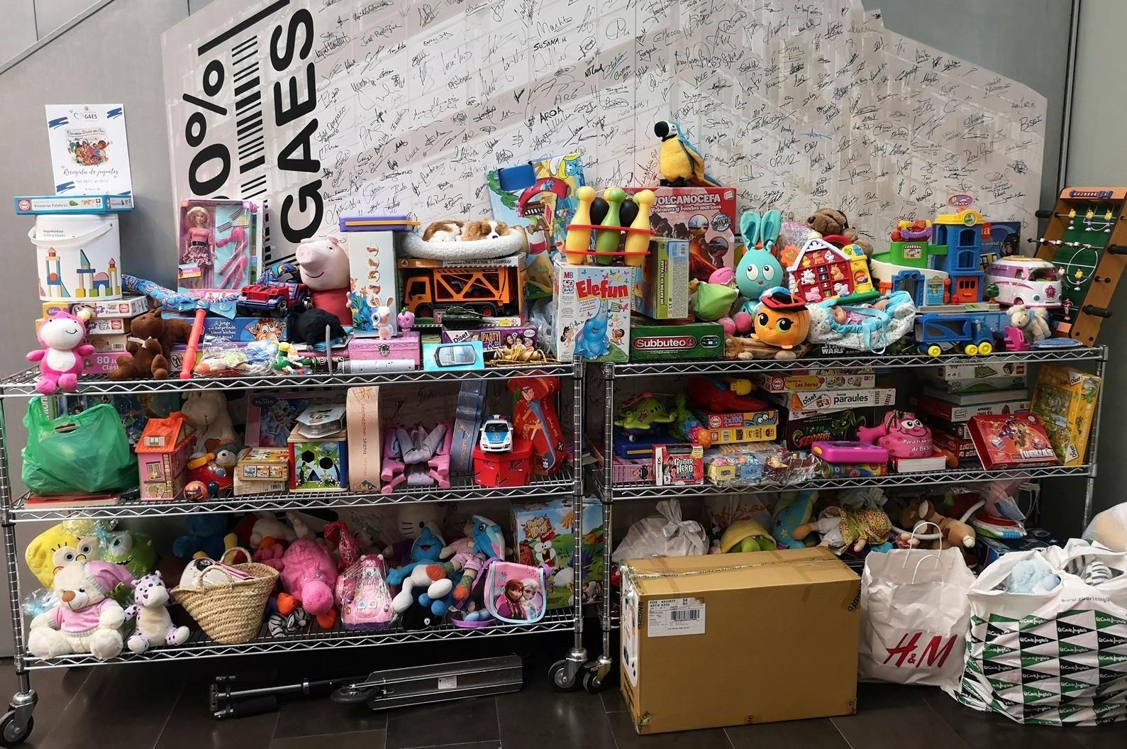 Campañas de recogida de ropa y juguetes