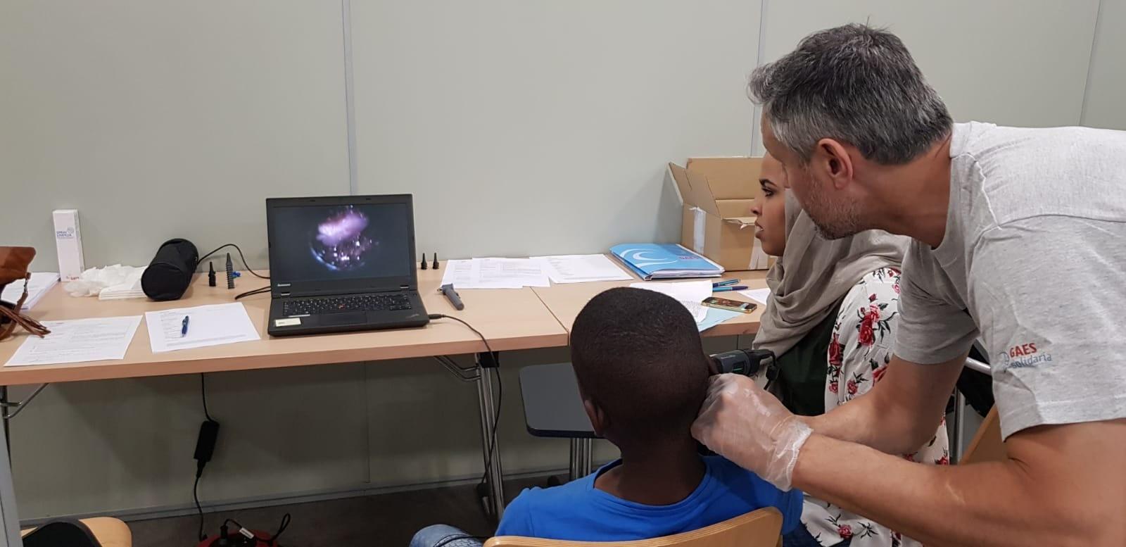 Fundación GAES Solidaria realiza revisiones auditivas a más de 50 niños saharauis en Aragón
